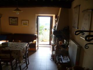 borgo Medievale.camere al primo con bagni, Montemerano