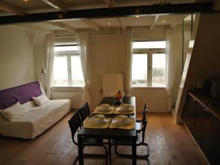 Houseboat Apartment