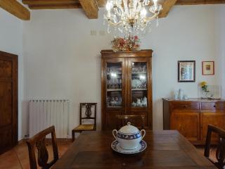 Blanca House, Cascina
