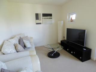 2 Bedroom Apartment Ideal for Couples & Families