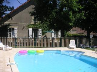 villa'Monia'-Gîte-Maison indépendante -Piscine, Lamonzie-Saint-Martin