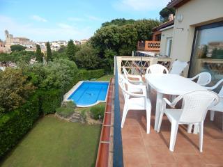 Casa con piscina comunitaria, Begur centro
