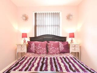 A.J.'s Bed and Breakfast Deluxe Double Room, Newport