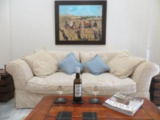 Casa 8 - Fabulous house with A/C Wi-Fi 30mb, pool & the beach is only 400m away