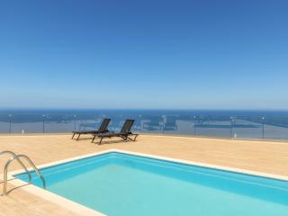 2 Bedroom Villa with Private Pool in Xygia, Volimes