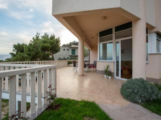 Beautiful apartments 50 m from the seaside, Mimice