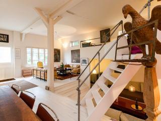 Montmartre Loft-House MAISON ANTOINETTE 4 bedroom & 4 bath