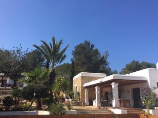 MARAVILLOSA VILLA IBICENCA EN SAN RAFEL, Ibiza Town