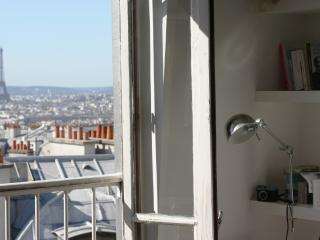 Duplex in the top of Montmartre hill- amazing view