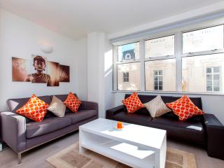 Vibrant Piccadilly Circus 2 Bed 2 Bath free WIFI