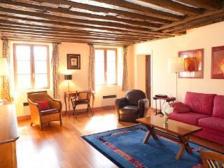 Charming 1 Bed Apartment - Temple #2, Le Marais