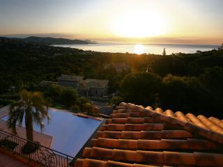 Magnifique villa vue mer avec piscine 8 pers