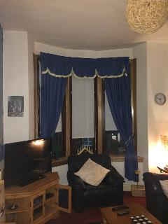 FIRST FLOOR 2 BEDROOM APARTMENT IN DOOR ENTRY, Glasgow