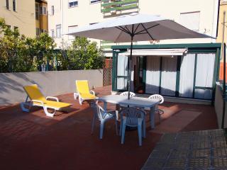 FLORES TERRACE, 3 bedrooms, terrace, garage, Lisbonne