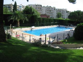 studio meublé cannes, avec piscine et jardinet, Cannes