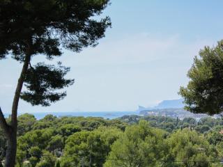 Maison dans pinède avec piscine et tennis privés, Sanary-sur-Mer