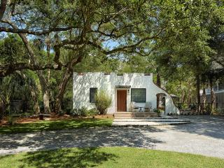Hip, renovated classic Folly Beach cottage
