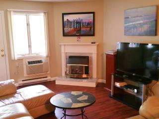 Living Room-50' LED TV,Gas Fireplace, Air Conditioning