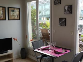 Studio avec terrasse entre Etoile et Défense, Neuilly-sur-Seine