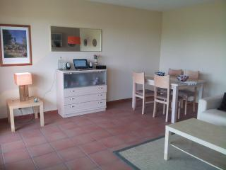 Beatiful apartment  with beach & mountain, Santa Susanna