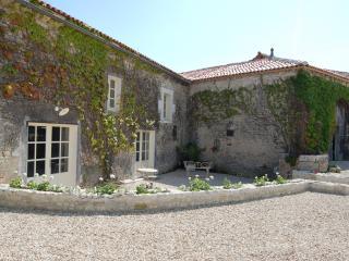 Maison Blanche, Logis du Paradis, Criteuil-la-Magdeleine