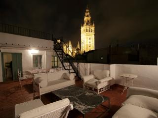 SEVILLA CENTRO, CHARMING HOUSE, COOL- BOOKING, Sevilla