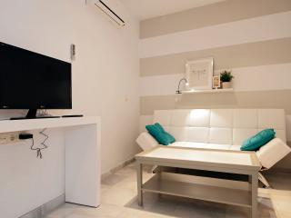 SEVILLA CENTRO, MORGADO 3 - COOL- BOOKING, Sevilla