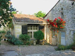 Cosy comforts amongst the vineyards, Montcaret