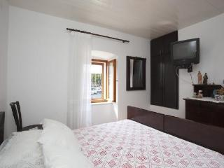 "Great apartment ""MIA"" in center,Milna,island Brač"