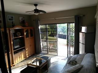 Private secluded apartment in Park Hill, Durban