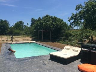 Maison, partie de Mas avec grand jardin et piscine