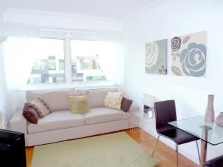 Fab Bright Apt with Wifi in Trendy Fitzrovia, W1, Londres