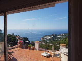 Holiday house with fantastic view, Tamariu
