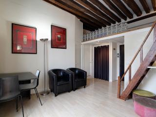 G02279 Modern apartment 4 people
