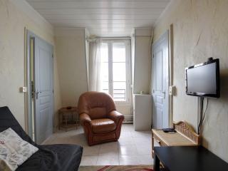 G03520 - quiet 1BR Carreau du temple, Parijs