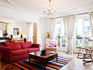 G03642 Charming 2 bedrooms Marais, Paris