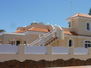 Beautiful 3 bedroom Villa El Vergel, Caleta Golf - Discounts for Couples !!!
