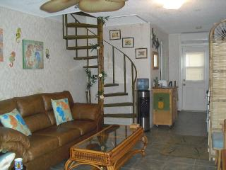 2-STORY CONDO with BALCONY on Jacksonville BEACH