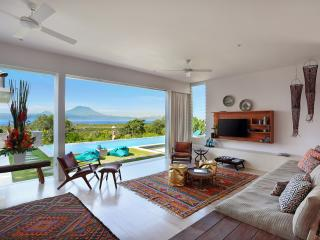 353 Degrees North - Stylish Villa in  Lembongan, Nusa Lembongan