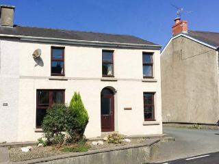 BRYNTEG COTTAGE, semi-detached, open fire, WiFi, pet-friendly, nr Narberth, Ref