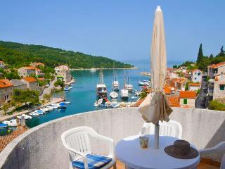 Apartments Koludrovic - Beautiful Sea View ***Apt3, Stomorska