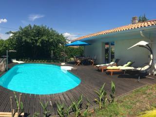 Charmante maison avec piscine chauffée