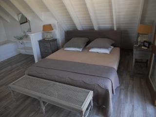 Charming villa, Saint-Gilles-Les-Bains