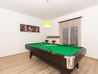 Luxury house Meter, Podstrana