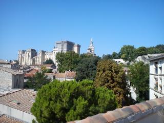 Duplex avec terrasse & garage individuel fermé, Aviñón