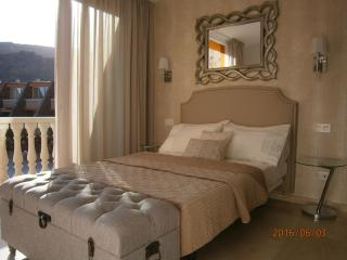 TASTEFUL TAURO 2 bedrooms, wifi, Tv ,Ac ,Pool ,Parking, close to beach and golf, La Playa de Tauro