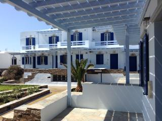 Beachfront Apartment, Tinos