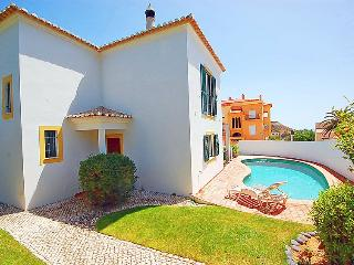 Lovely Beach Villa with Pool 350 mtrs from Beach, Luz