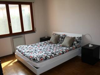 Ampio appartamento fronte mura, Lucca