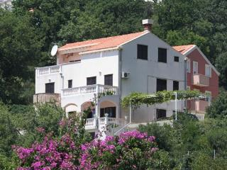 Villa Dalmare apt 1, Mlini